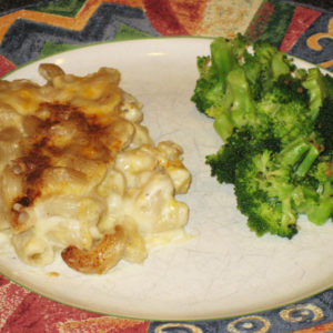 cheesy-mac-broccoli